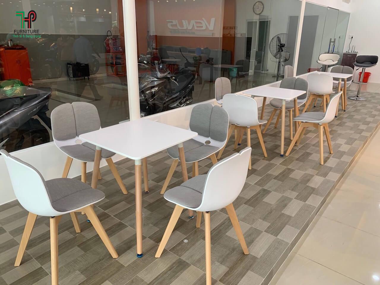 ban-ban-ghe-cafe.jpg